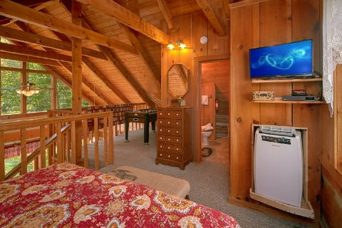 King Bed in Loft in 2 Bedroom Cabin - A Hummingbird Hideaway