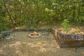 2 Bedroom Cabin with Fire Pit and Grill area