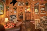 Rustic 1 Bedroom Cabin that sleeps 4