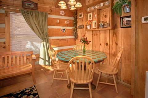 1 Bedroom Cabin with Dining Table for 4 - A Love Nest