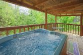 Private 1 bedroom honeymoon cabin with hot tub
