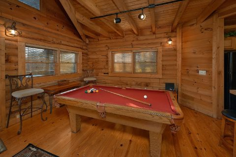 Spacious 1 Bedroom Cabin with Pool Table & WiFi - A Moonlight Ridge