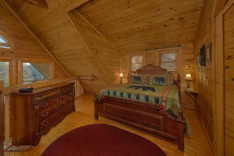 1 Bedroom Cabin with King Bed near Pigeon Forge - A Moonlight Ridge