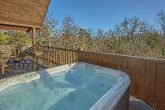 1 Bedroom Cabin with Hot Tub and WiFi Sleeps 4