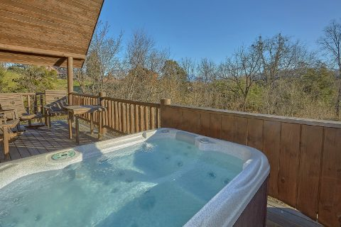 1 Bedroom Cabin with Hot Tub and WiFi Sleeps 4 - A Moonlight Ridge
