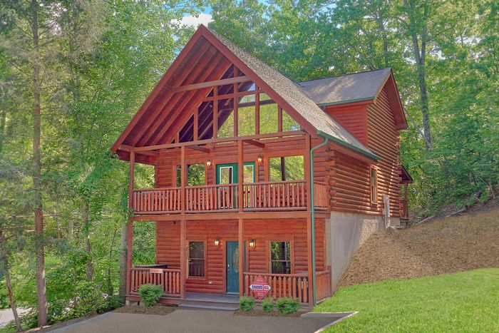 A Mountain Lodge Cabin Rental Photo