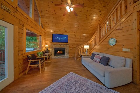 Cabin with Fireplace - A Mountain Lodge