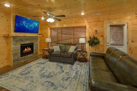 5 bedroom cabin with Sleeper Sofa in living room - A Mountain Palace