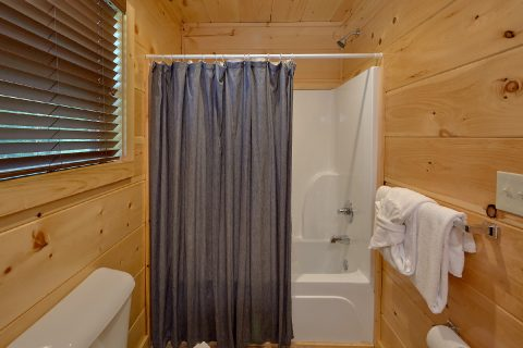 Pigeon Forge Rental Cabin with queen bunk beds - A Mountain Palace