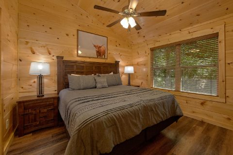 Pigeon Forge Rental cabin with 4 King bedrooms - A Mountain Palace