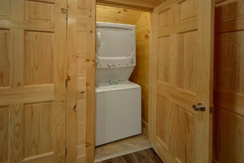 5 Bedroom Cabin with Washer and Dryer - A Mountain Palace
