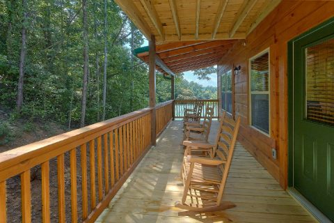 Luxurious 5 Bedroom 5 Bath Cabin Sleeps 16 - A Mountain Palace