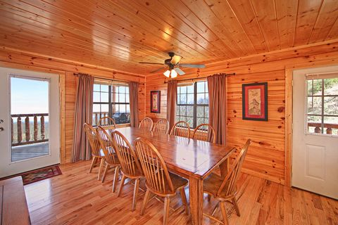 Large Dining table in Smoky Mountain cabin. - A Peaceful Easy Feeling