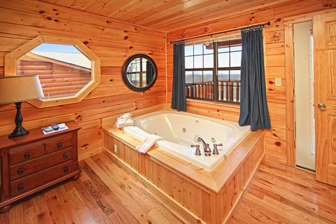 Jacuzzi in Master King Suite of Cabin - A Peaceful Easy Feeling