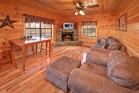 Beautiful Cabin with Den - A Peaceful Easy Feeling