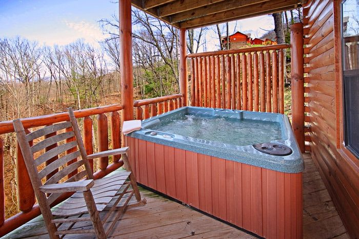 Smoky Mountain Cabin with Hot Tub - A Peaceful Easy Feeling