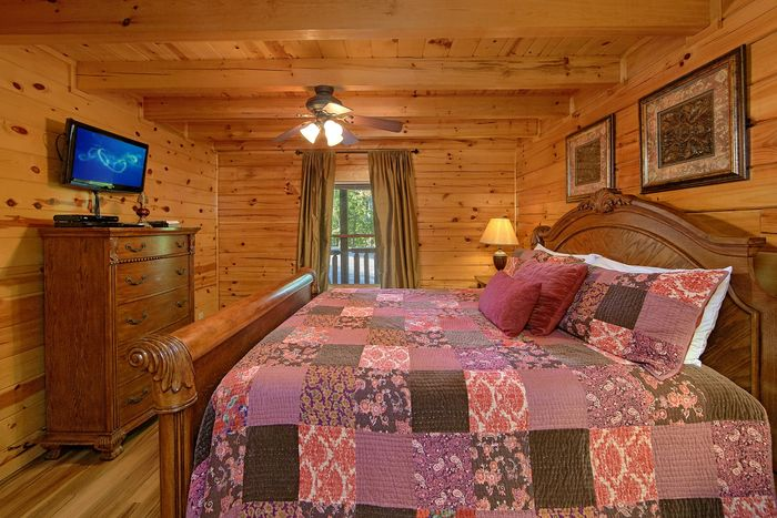 King bedroom with TV and private bath - A Perfect Stay