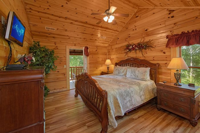 Luxury Cabin with 3 King Bedrooms - A Perfect Stay