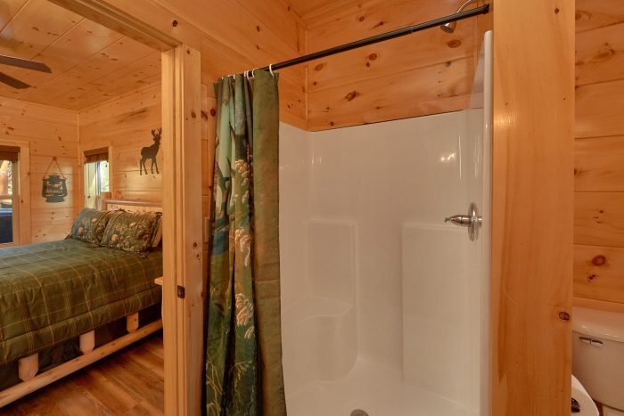 Cabin on the river with 3 King bedrooms - A River Retreat
