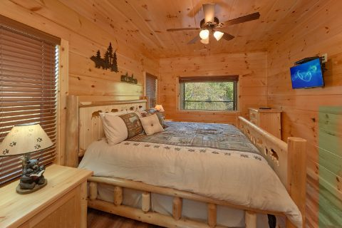 3 bedroom cabin on the river with 3 King beds - A River Retreat