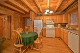 2 bedroom cabin with full kitchen and sleeps 8