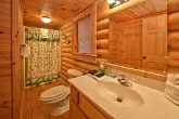 Luxurious 2 Bedroom Cabin with 2 Baths