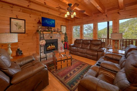 4 Bedroom Cabin Sleeps 14 in Black Bear Ridge - A Rocky Top Ridge