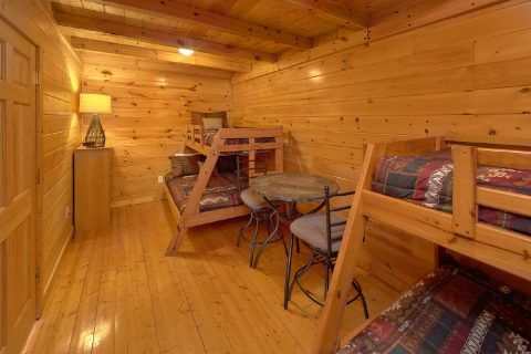 Top Floor with Bunk Beds - A Rocky Top Ridge