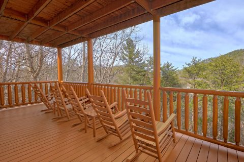 Covered Deck with Rocking Chairs 4 Bedroom - A Rocky Top Ridge