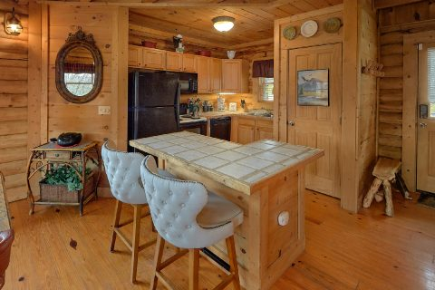 1 Bedroom Cabin with Fully Stocked Kitchen - A Romantic Hilltop