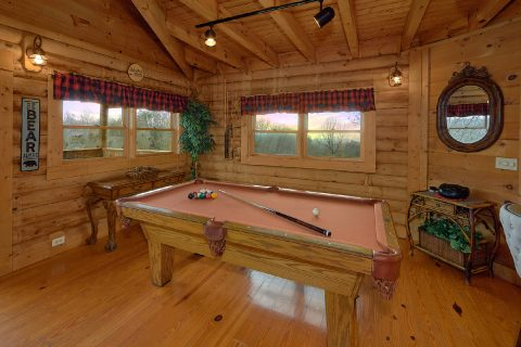 Smoky Mountain 1 Bedroom Cabin with Pool Table - A Romantic Hilltop