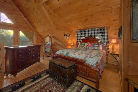 Spacious King Bedroom Sleeps 4 - A Romantic Hilltop