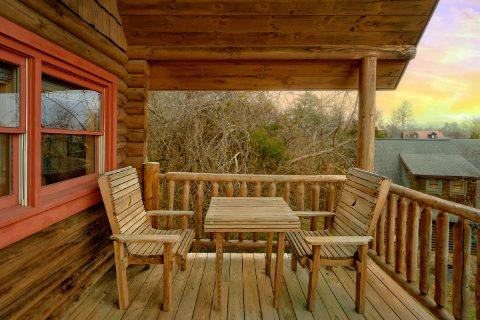 Rustic 1 Bedroom Cabin in Sevierville Sleeps 4 - A Romantic Hilltop