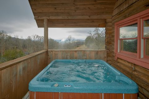 Large 1 Bedroom Cabin with Game Room and Hot Tub - A Romantic Hilltop