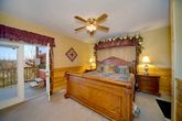Luxurious 1 Bedroom Cabin with Canopy Bed