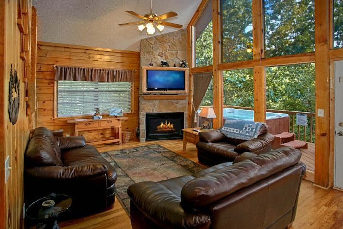 3 Bedroom Cabin with Luxury Furniture - A Ruff Life