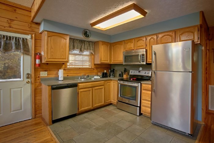 3 Bedroom Cabin with Large Open Kitchen - A Ruff Life
