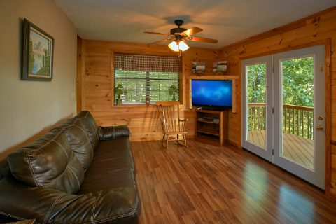 3 Bedroom Cabin with Sofa Sleeper and Games - A Ruff Life