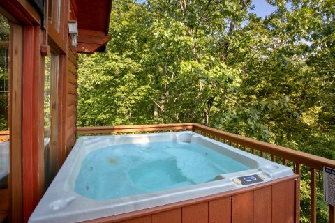 3 Bedroom Cabin with Private Hot Tub and Views - A Ruff Life
