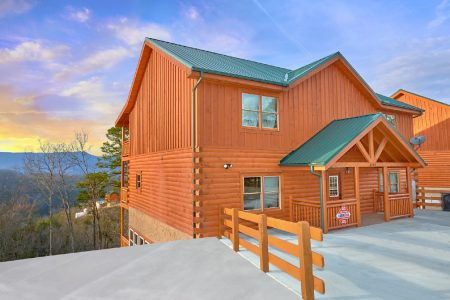 Family Fun Pool Lodge 2: 6 Bedroom Sevierville Cabin Rental