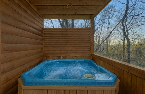 Private Hot Tub at 4 bedroom resort cabin - A Smoky Mountain Experience