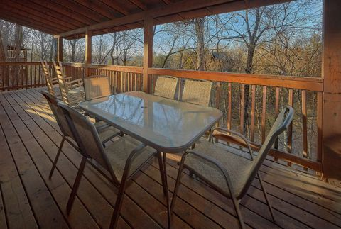 Deck with Seating - A Smoky Mountain Experience