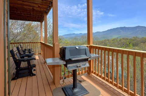 5 bedroom cabin with hot tub, grill and Views - A Spectacular View to Remember