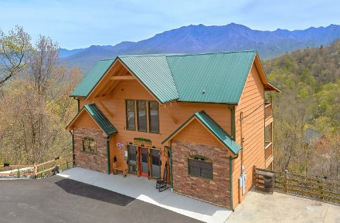 Luxurious Cabin Overlooking Ober Gatlinburg - A Spectacular View to Remember