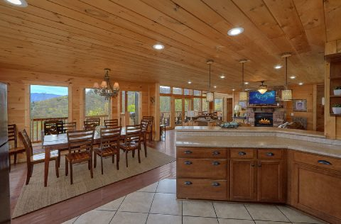 Spacious kitchen and Dining room in rental cabin - A Spectacular View to Remember