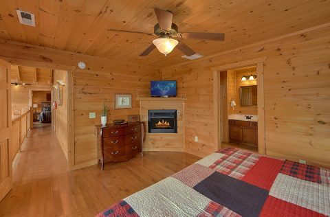 5 bedroom Cabin with Private Master Bathroom - A Spectacular View to Remember