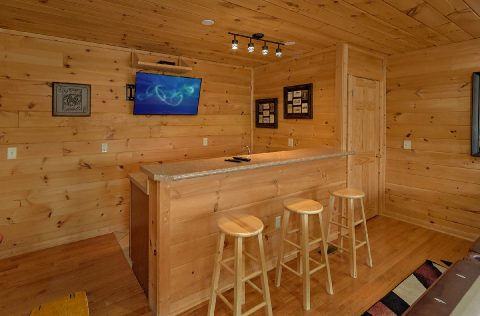 Luxury Cabin with Game room, wet bar and Theater - A Spectacular View to Remember