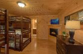 5 Bedroom Cabin Sleeps 10 with Large Space