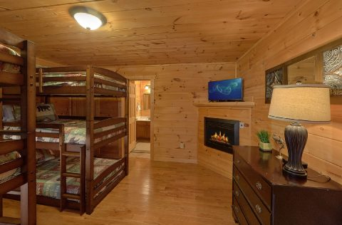 Cabin with bunk bedroom for 6 with bathroom - A Spectacular View to Remember