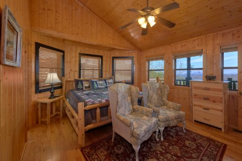 Premium cabin with Master Suite on main level - A Stunning View
